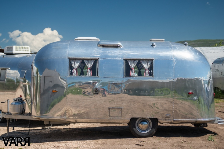 Restoration 1963 Globetrotter Airstream Varr