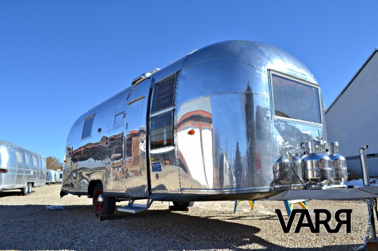 restoration-1963-tradewind-airstream
