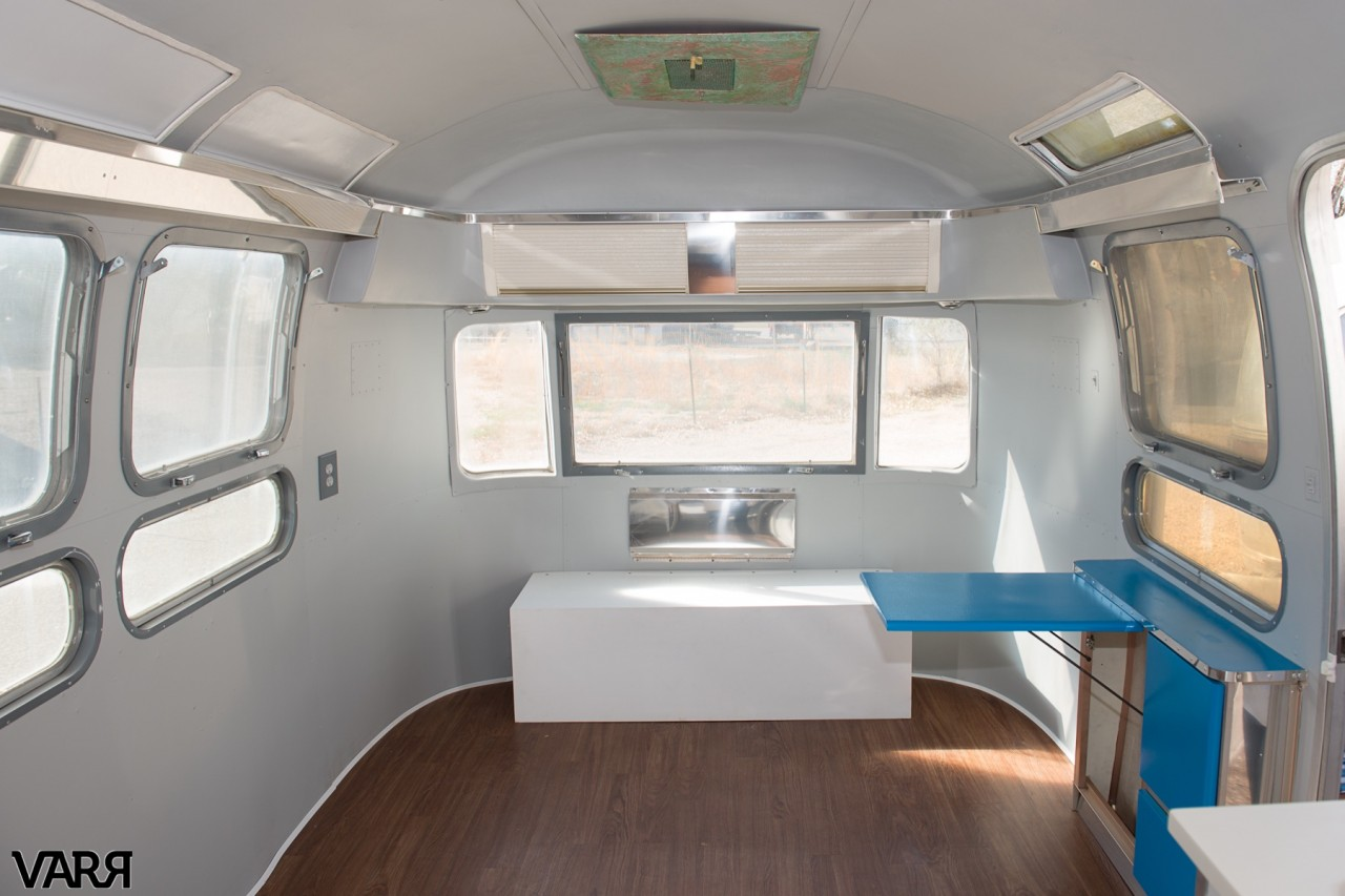 Restoration 1976 Sovereign Airstream Varr