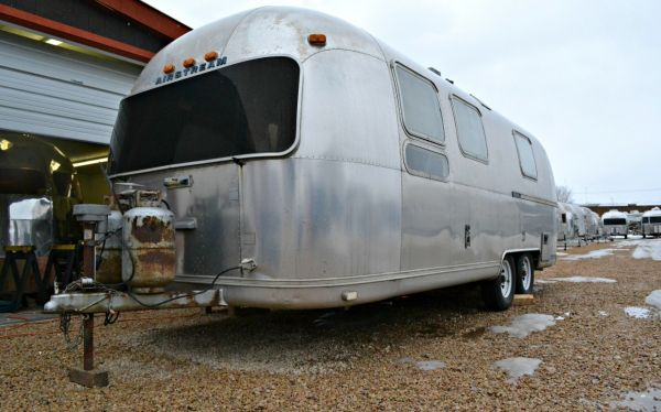 1978 Tradewind Airstream 25 Double Axle