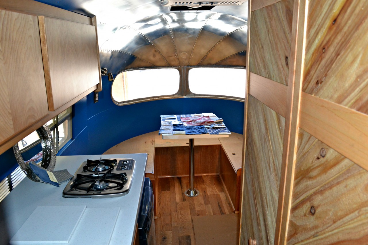Restoration 1950 Clipper Airstream Varr